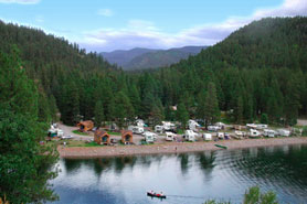 The lake at 5 Branches Camper Park and Cabins near the Durango area