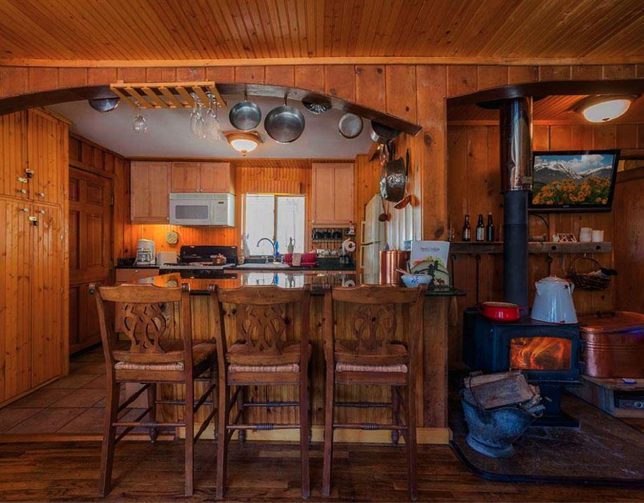 cabins cabin rentals livingroom in colorado