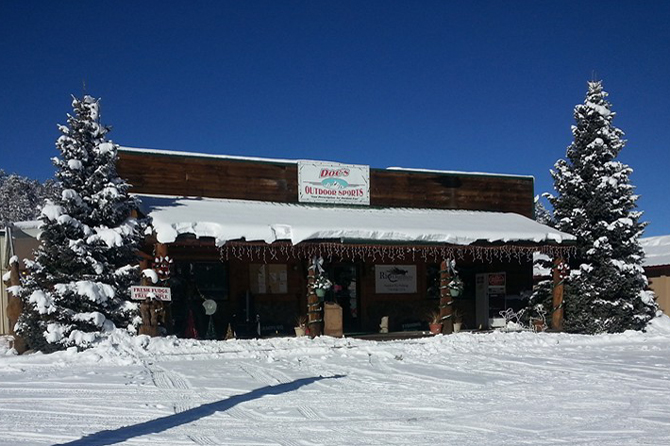 Front of Docs Outdoor Sports & Ski Rentals in South Fork Colorado
