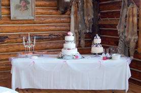 A wedding cake at High Canyon Adventures, The Colorado Vacation Directory