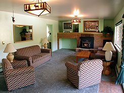 Non smoking interior at Lakeside Cottages, The Coloradom Vacation Directory