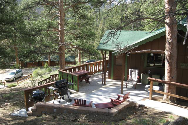 Mountain Cabin With Large Deck At Machinu0027s Cottages In Estes Park, Colorado