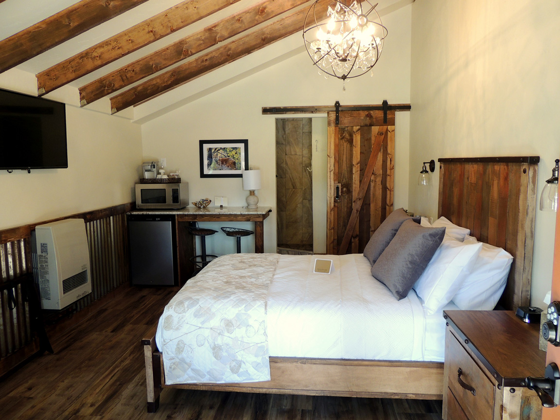 Mountain River Lodge And Luxury Cabin Rentals Pikes Peak