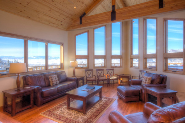 Mountain Vacation Rentals    Private Homes, Condominiums, Townhomes,  Chalets In Steamboat Springs